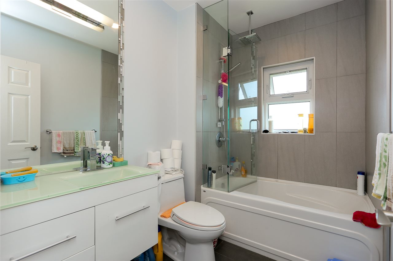 Detached at 4836 BRENTLAWN DRIVE, Burnaby North, British Columbia. Image 16
