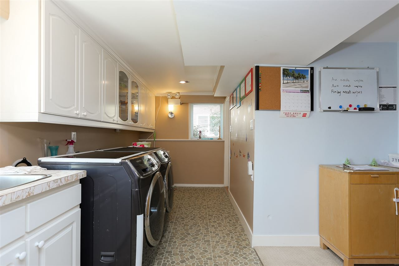 Detached at 4836 BRENTLAWN DRIVE, Burnaby North, British Columbia. Image 17