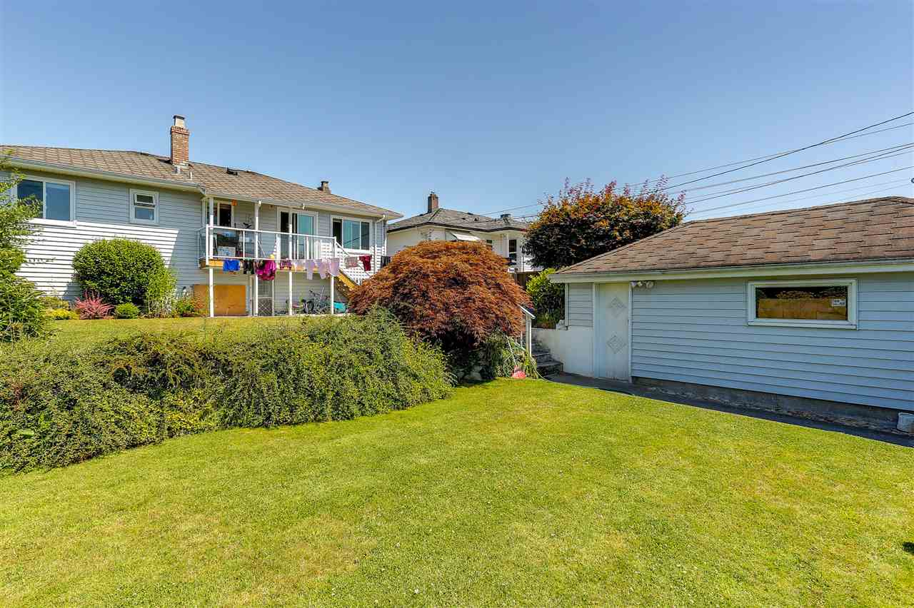 Detached at 4836 BRENTLAWN DRIVE, Burnaby North, British Columbia. Image 18
