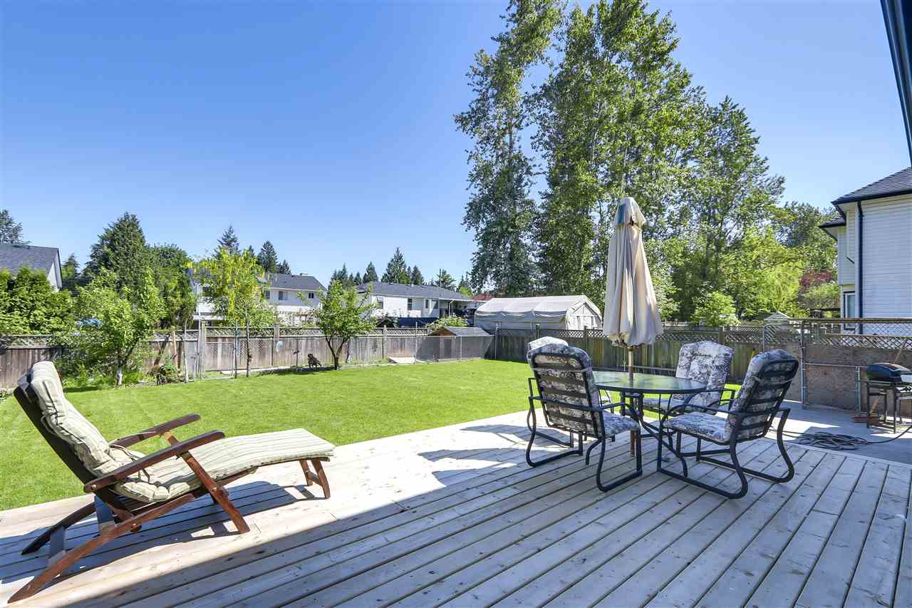 Detached at 15275 111A AVENUE, North Surrey, British Columbia. Image 19