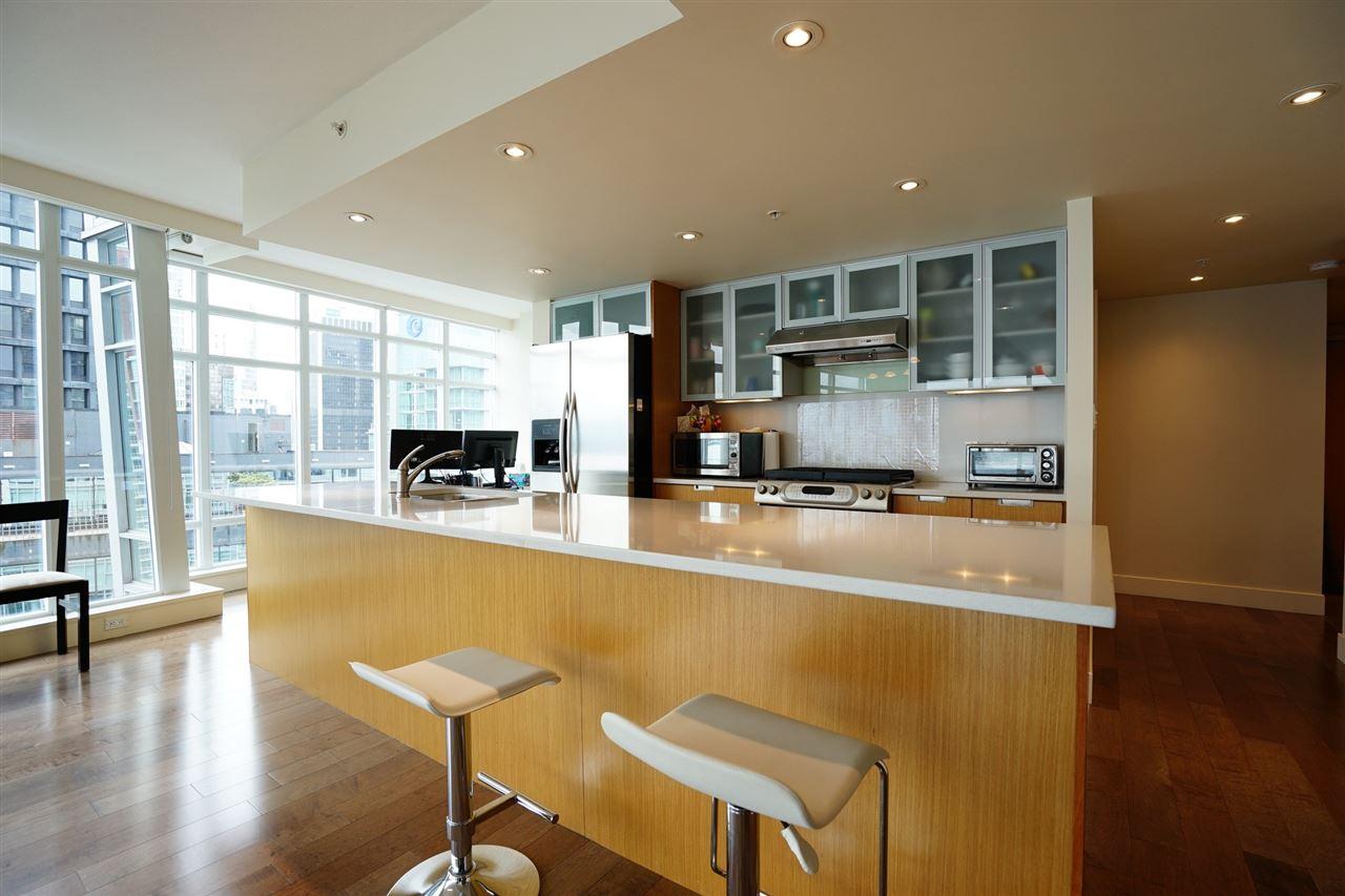 Condo Apartment at 2103 1205 W HASTINGS STREET, Unit 2103, Vancouver West, British Columbia. Image 9