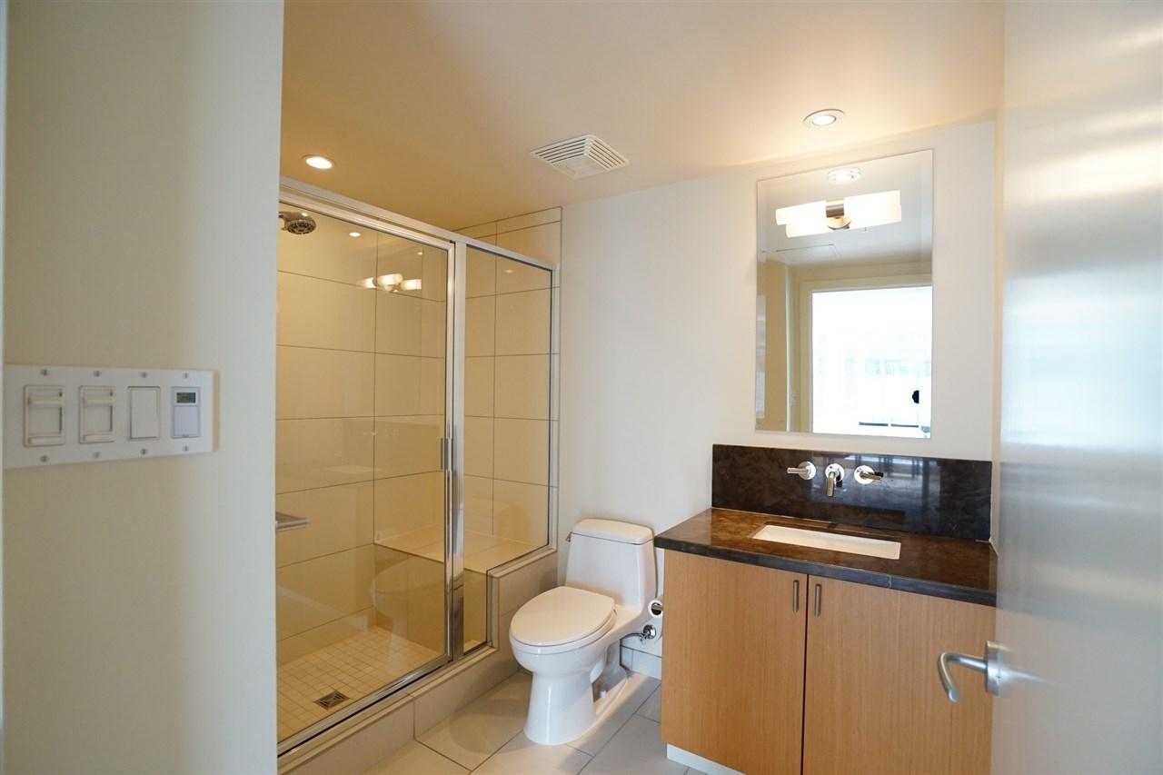 Condo Apartment at 2103 1205 W HASTINGS STREET, Unit 2103, Vancouver West, British Columbia. Image 16