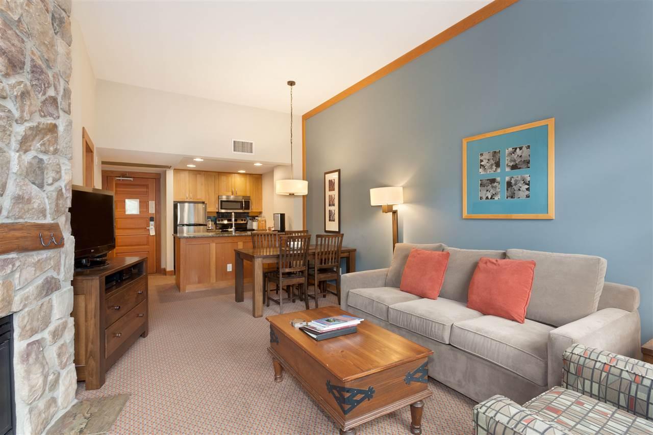 Condo Apartment at 405C 2036 LONDON LANE, Unit 405C, Whistler, British Columbia. Image 3