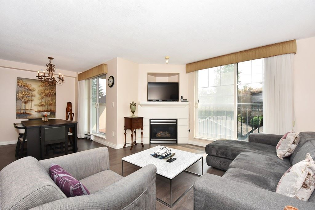 Condo Apartment at 204 4542 W 10TH AVENUE, Unit 204, Vancouver West, British Columbia. Image 4