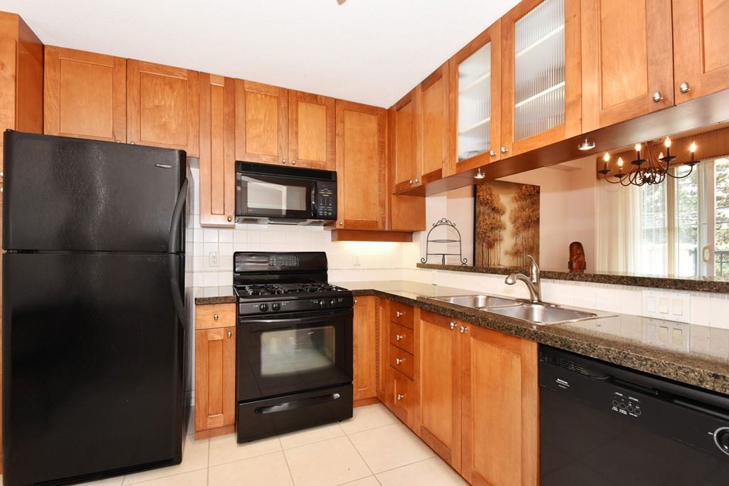 Condo Apartment at 204 4542 W 10TH AVENUE, Unit 204, Vancouver West, British Columbia. Image 7
