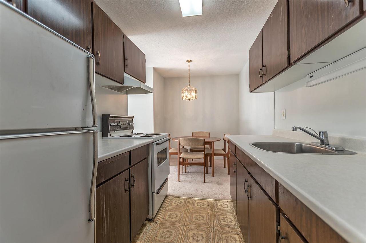 Condo Apartment at 304 155 E 5TH STREET, Unit 304, North Vancouver, British Columbia. Image 5