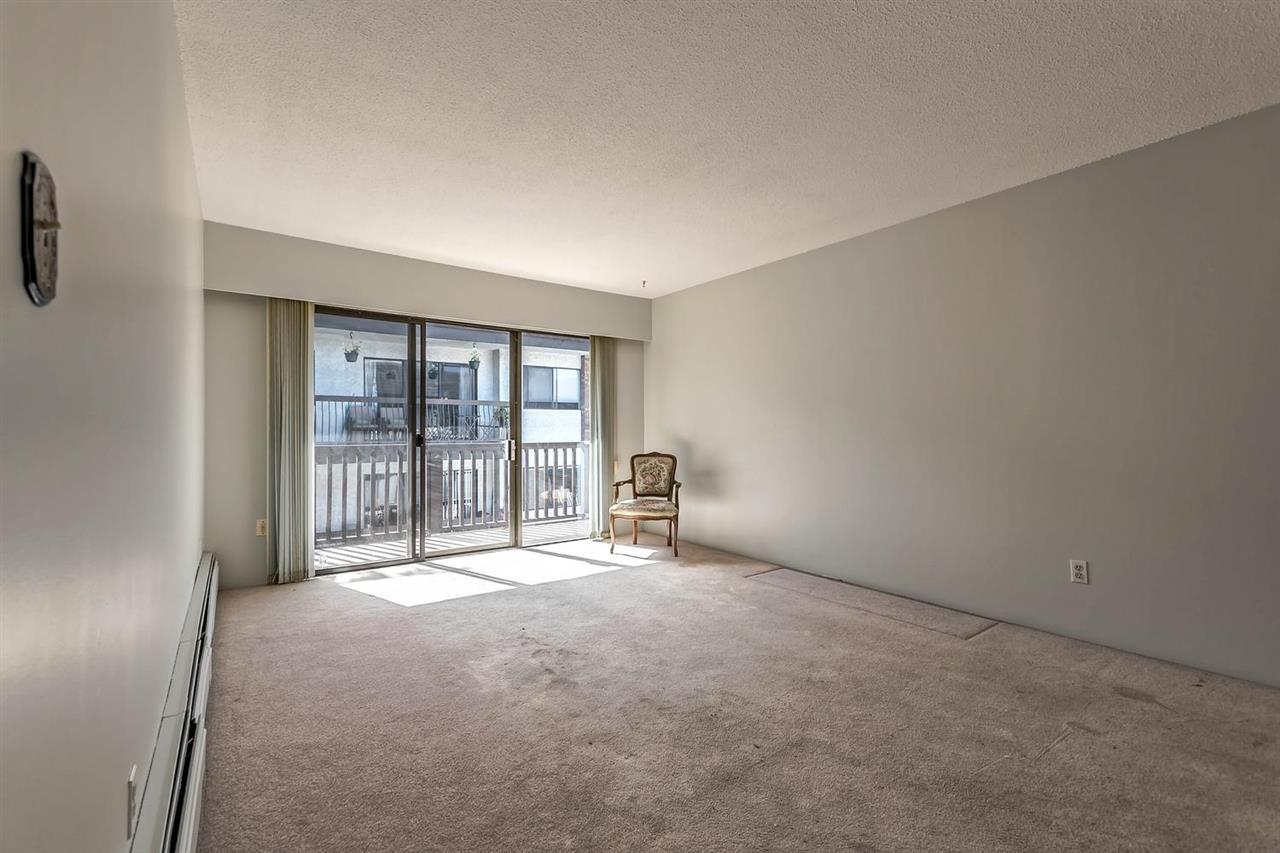 Condo Apartment at 304 155 E 5TH STREET, Unit 304, North Vancouver, British Columbia. Image 8
