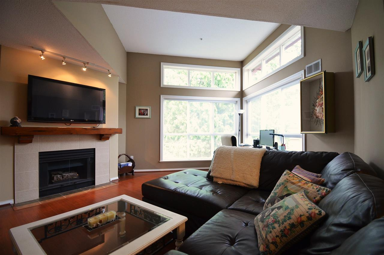 Condo Apartment at 310 15342 20 AVENUE, Unit 310, South Surrey White Rock, British Columbia. Image 4