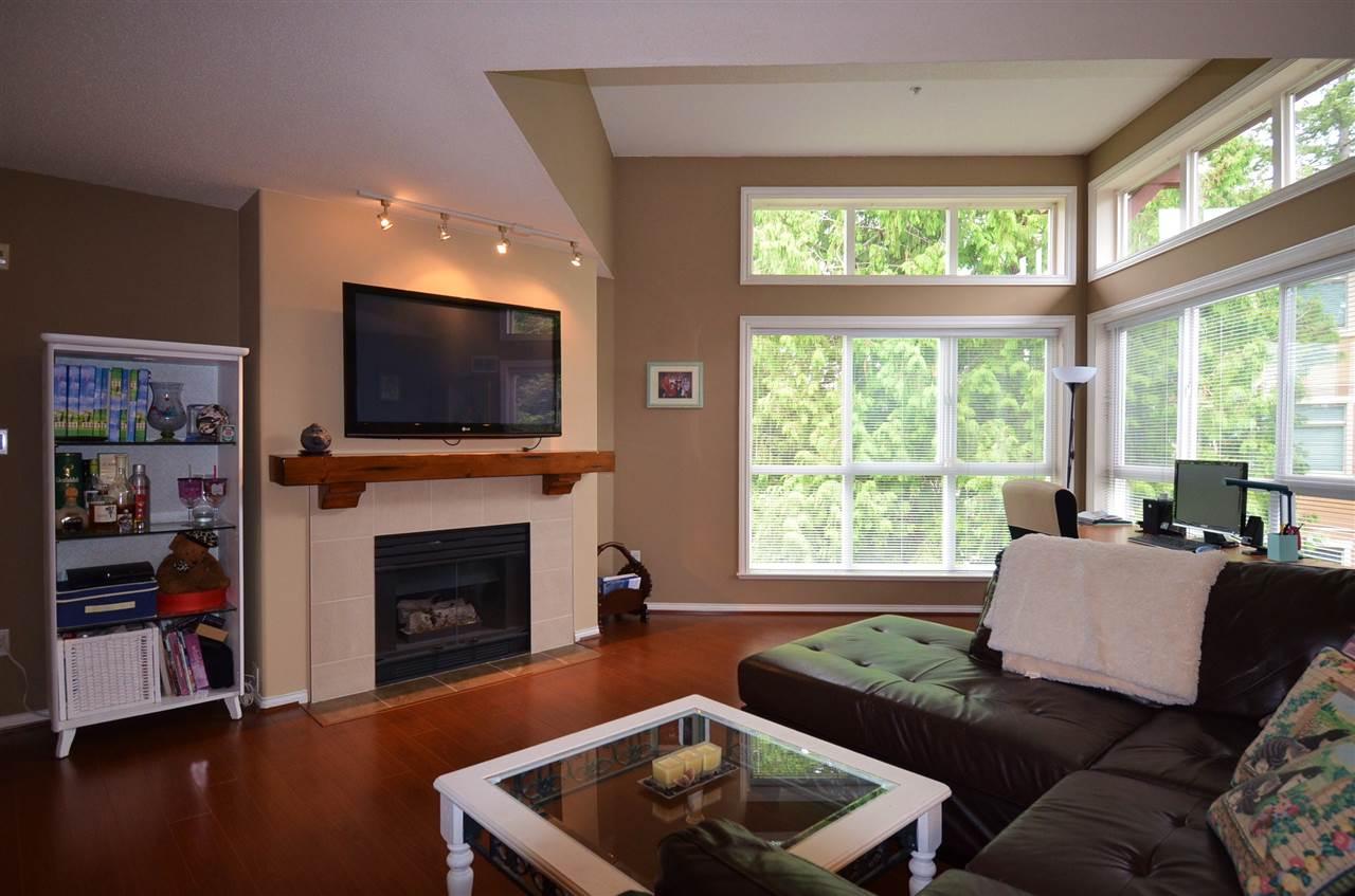 Condo Apartment at 310 15342 20 AVENUE, Unit 310, South Surrey White Rock, British Columbia. Image 5