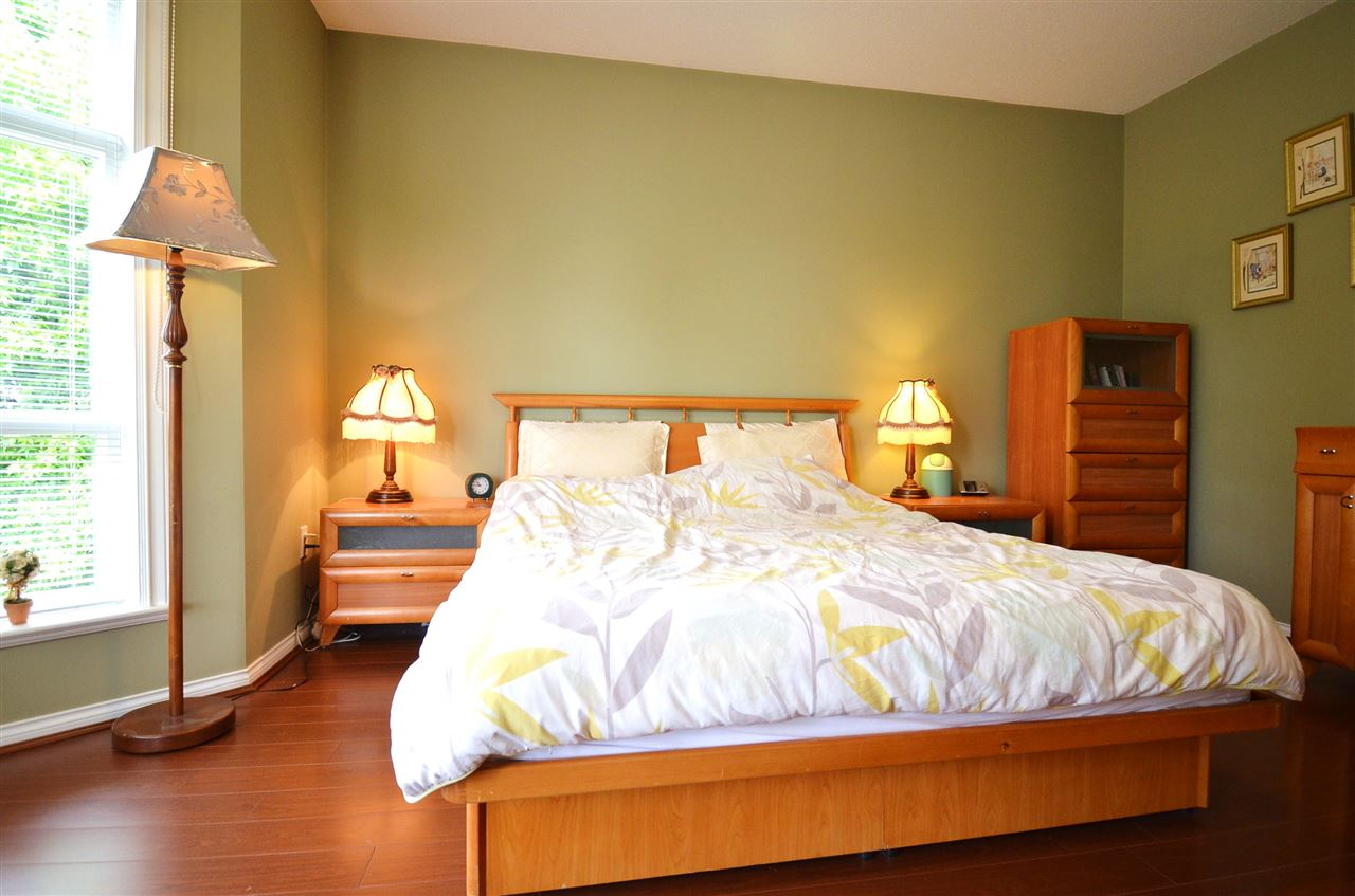 Condo Apartment at 310 15342 20 AVENUE, Unit 310, South Surrey White Rock, British Columbia. Image 11
