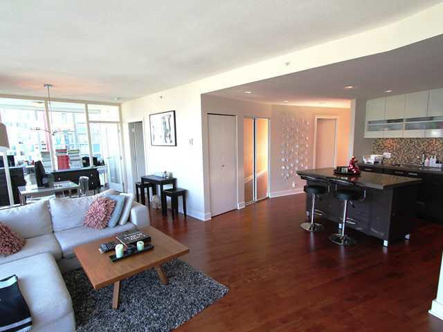 Condo Apartment at 2602 1277 MELVILLE STREET, Unit 2602, Vancouver West, British Columbia. Image 4