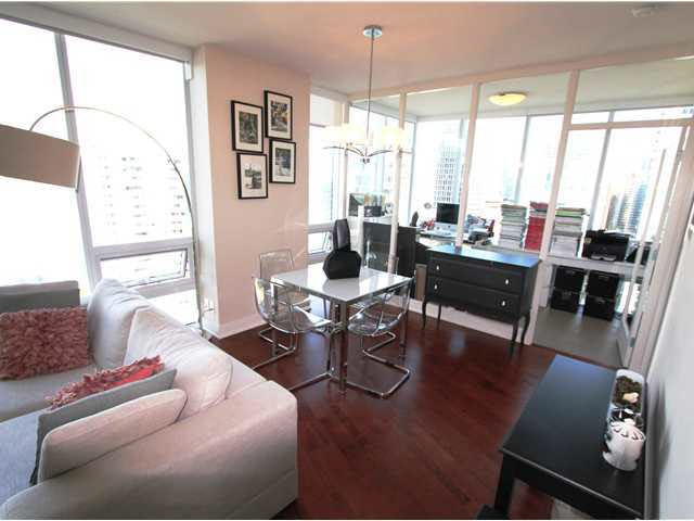 Condo Apartment at 2602 1277 MELVILLE STREET, Unit 2602, Vancouver West, British Columbia. Image 6