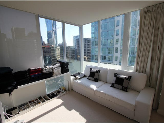 Condo Apartment at 2602 1277 MELVILLE STREET, Unit 2602, Vancouver West, British Columbia. Image 12