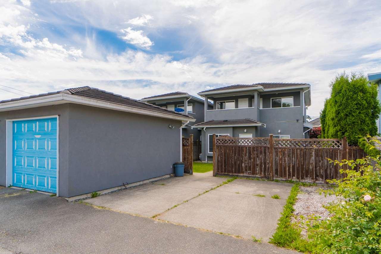 Half-duplex at 6610 COLBORNE AVENUE, Burnaby South, British Columbia. Image 4