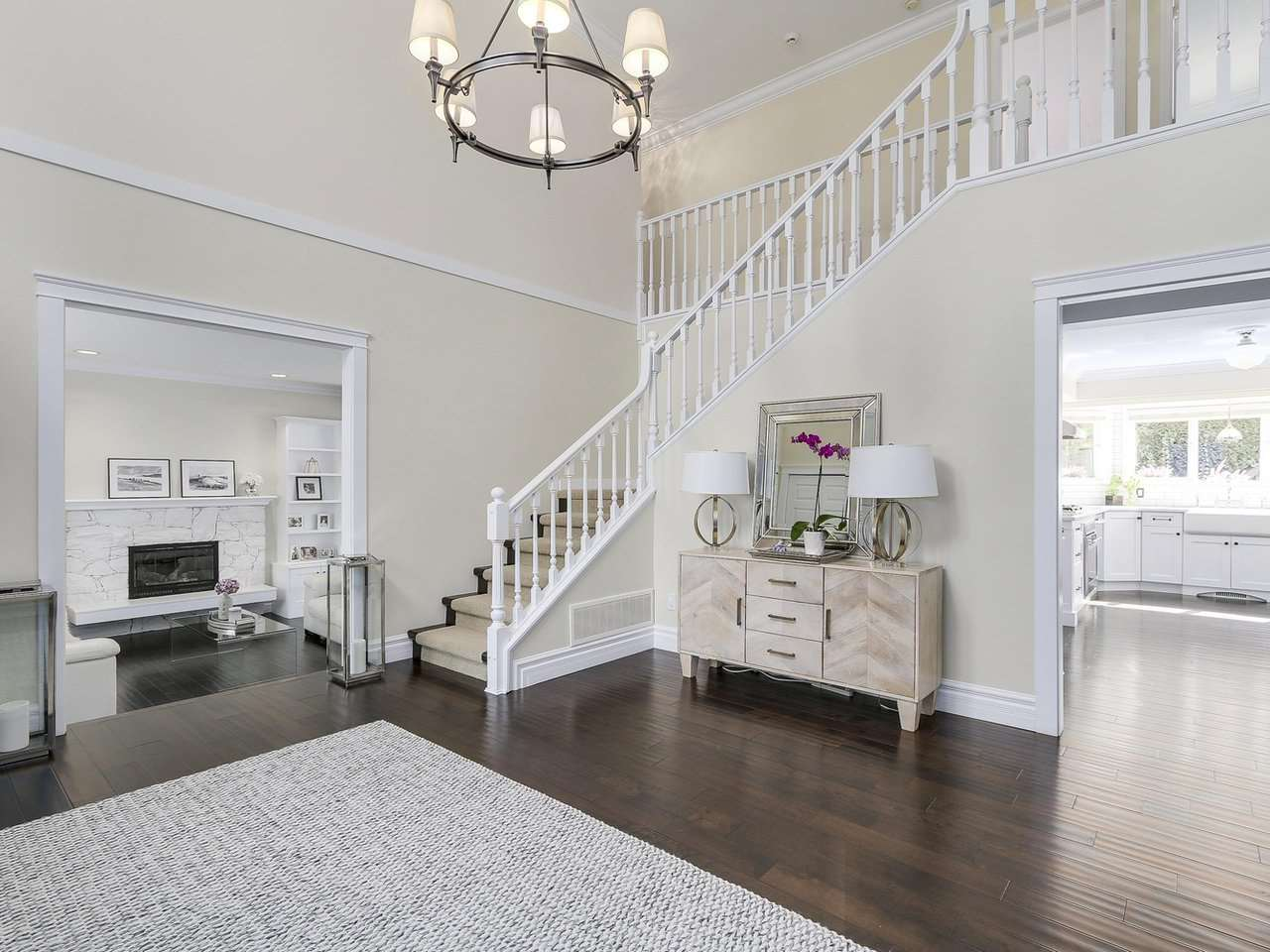Detached at 5220 SPRUCEFEILD ROAD, West Vancouver, British Columbia. Image 2