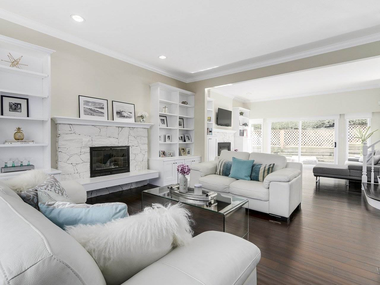 Detached at 5220 SPRUCEFEILD ROAD, West Vancouver, British Columbia. Image 3