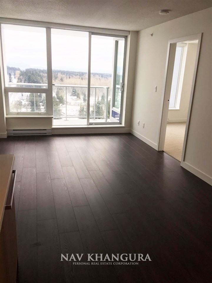 Condo Apartment at 3301 13750 100 AVENUE, Unit 3301, North Surrey, British Columbia. Image 6