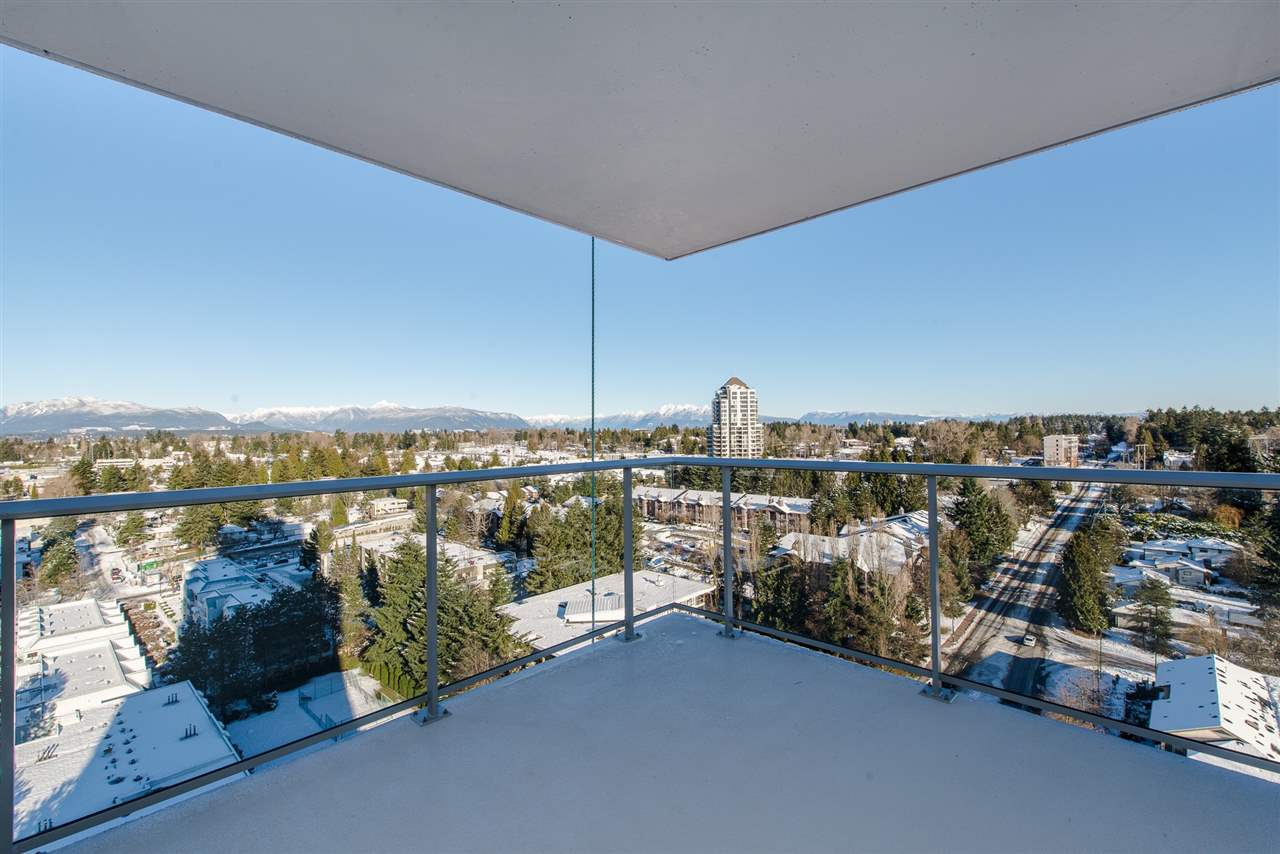 Condo Apartment at 3301 13750 100 AVENUE, Unit 3301, North Surrey, British Columbia. Image 11