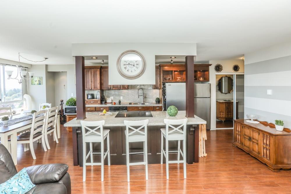Condo Apartment at 1206 11980 222 STREET, Unit 1206, Maple Ridge, British Columbia. Image 5