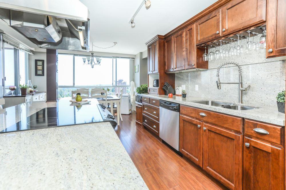 Condo Apartment at 1206 11980 222 STREET, Unit 1206, Maple Ridge, British Columbia. Image 12