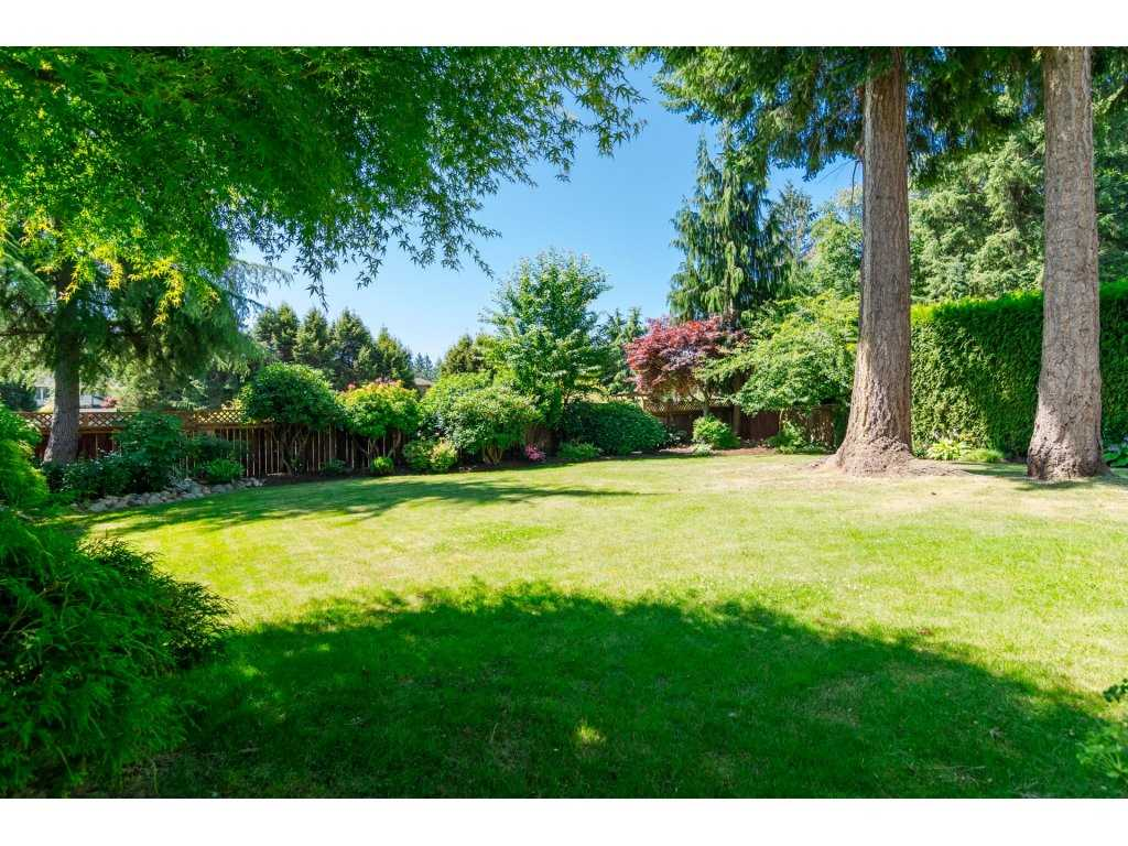 Detached at 13796 19A AVENUE, South Surrey White Rock, British Columbia. Image 2