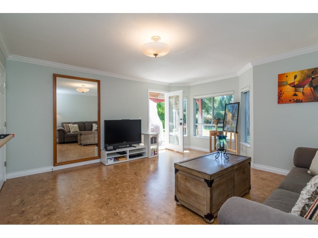 Detached at 13796 19A AVENUE, South Surrey White Rock, British Columbia. Image 17
