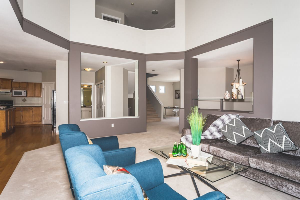 Detached at 15517 ROSEMARY HEIGHTS CRESCENT, South Surrey White Rock, British Columbia. Image 4
