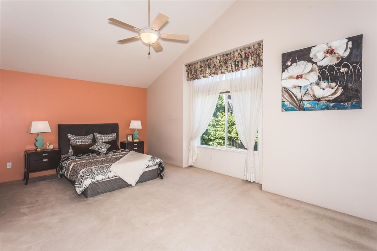 Detached at 15517 ROSEMARY HEIGHTS CRESCENT, South Surrey White Rock, British Columbia. Image 6
