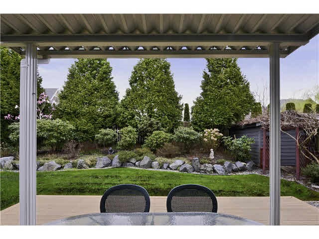 Detached at 15517 ROSEMARY HEIGHTS CRESCENT, South Surrey White Rock, British Columbia. Image 12