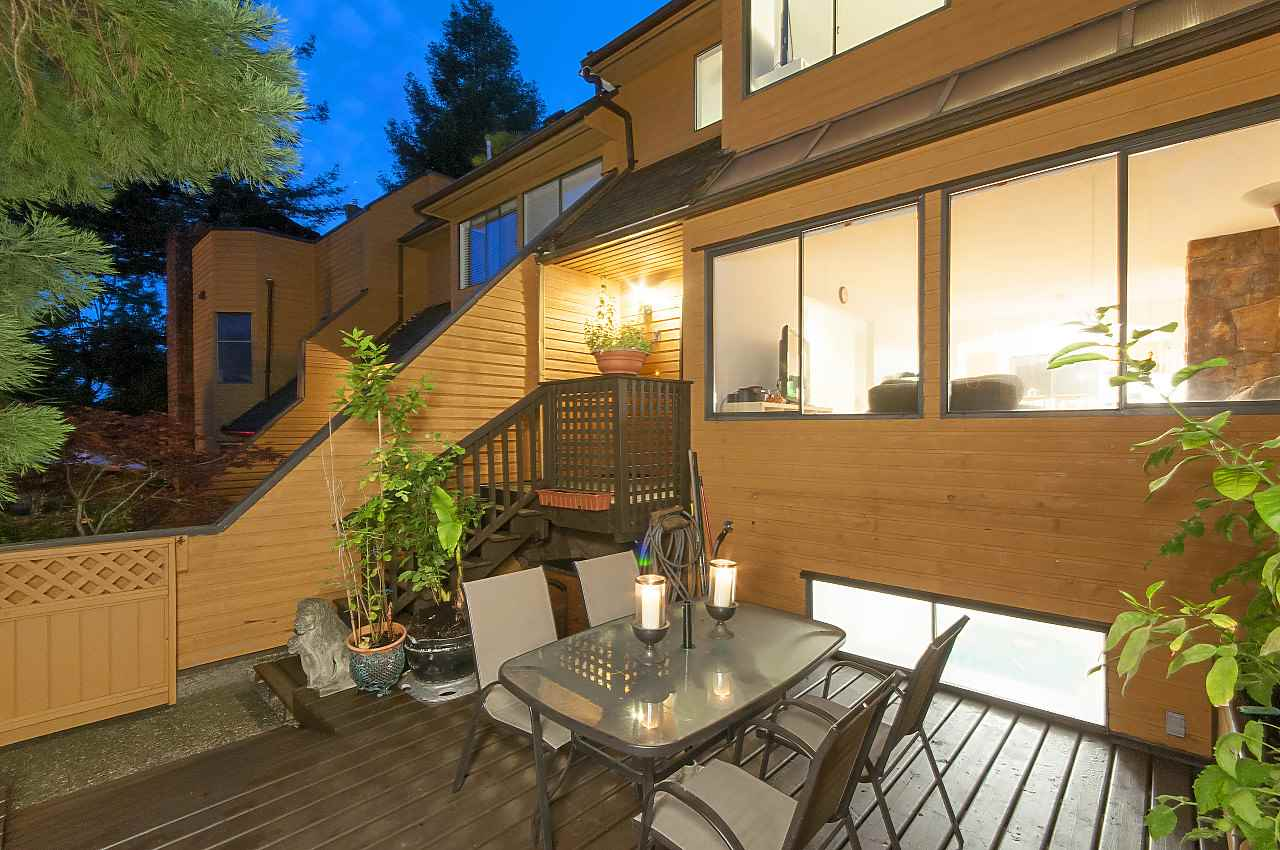 Townhouse at 407 CHESTERFIELD AVENUE, North Vancouver, British Columbia. Image 1