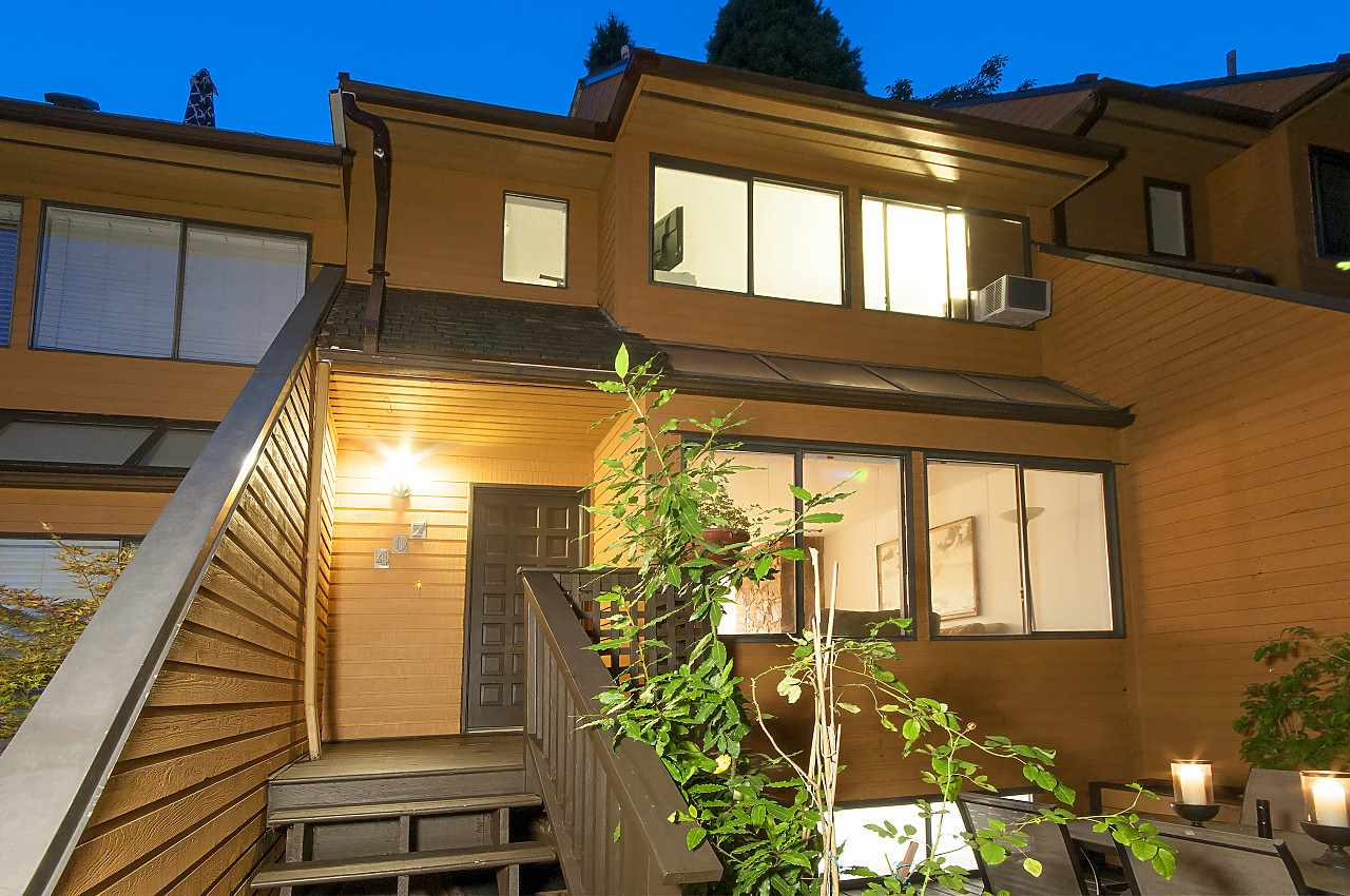 Townhouse at 407 CHESTERFIELD AVENUE, North Vancouver, British Columbia. Image 4