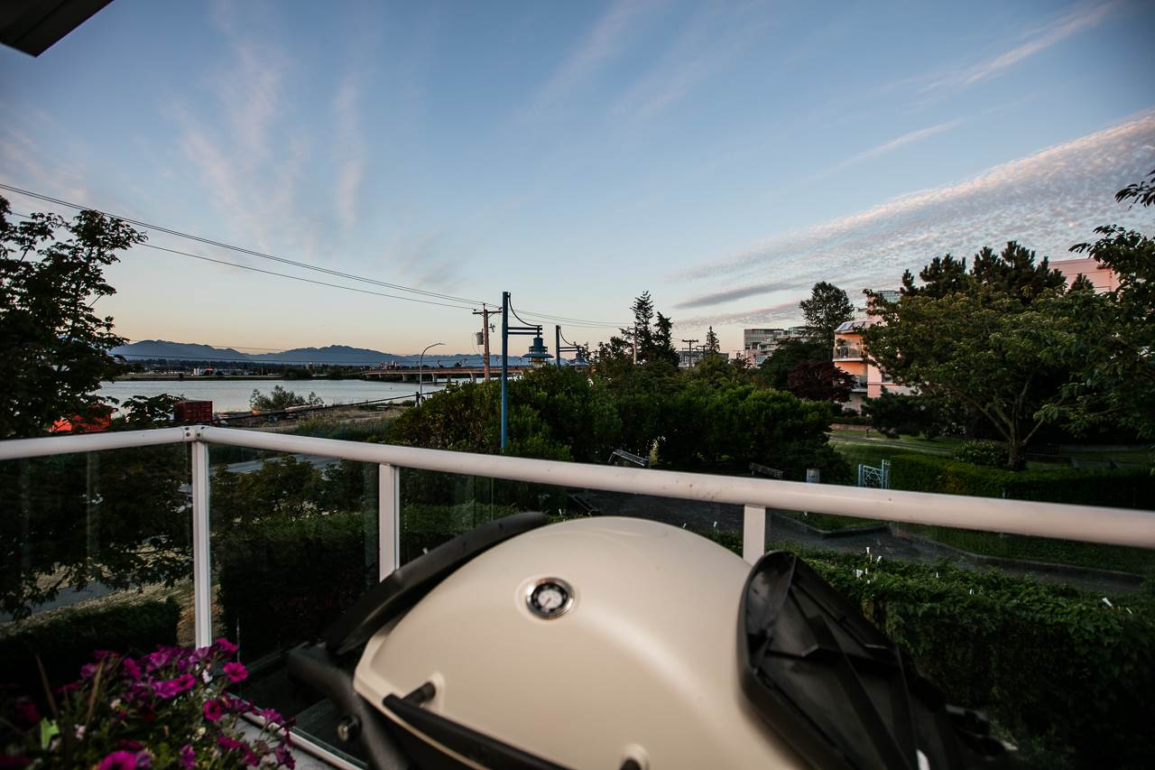 Condo Apartment at 216 5880 DOVER CRESCENT, Unit 216, Richmond, British Columbia. Image 9
