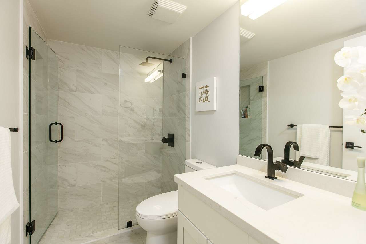 Condo Apartment at 216 5880 DOVER CRESCENT, Unit 216, Richmond, British Columbia. Image 15