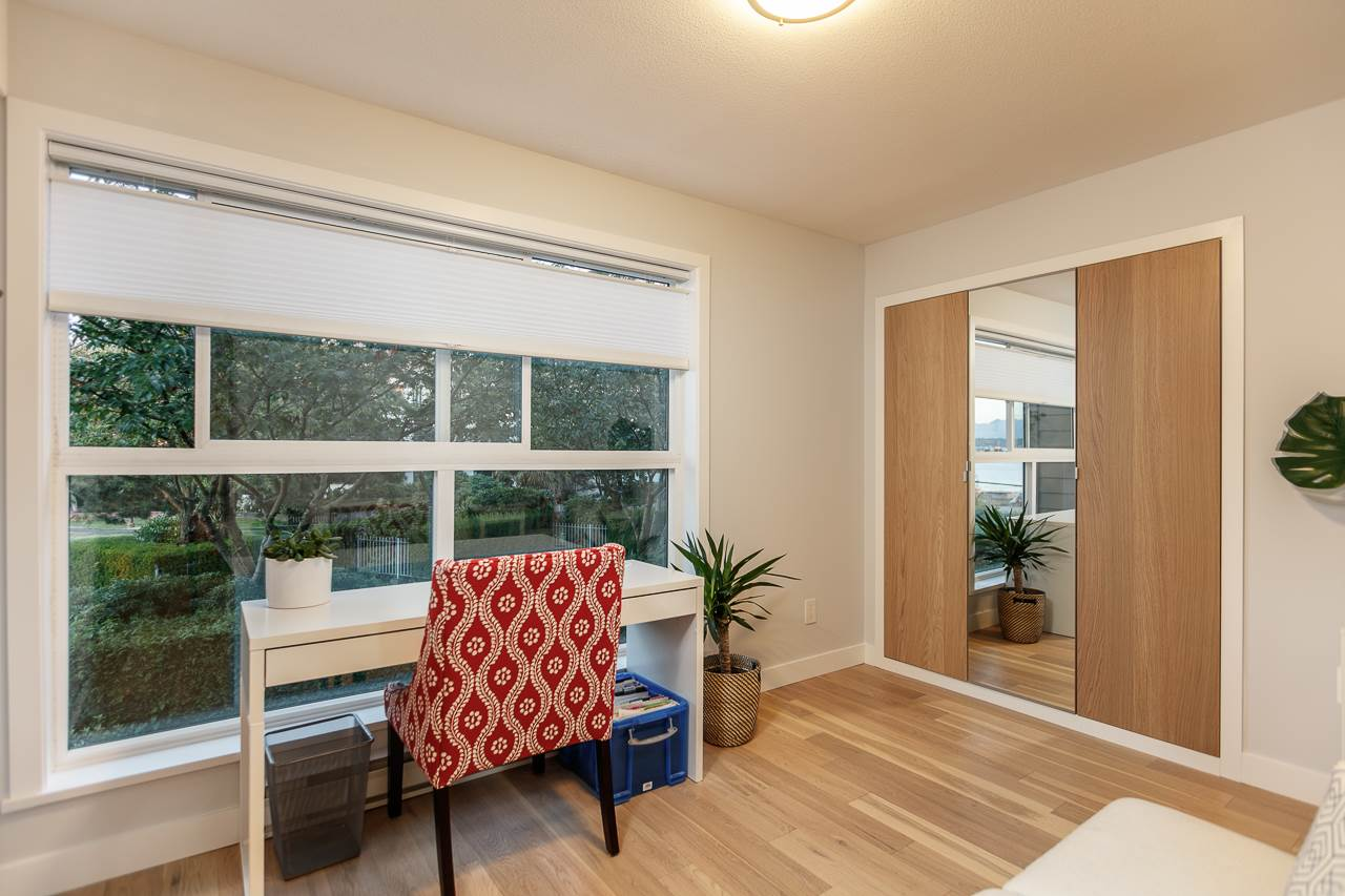 Condo Apartment at 216 5880 DOVER CRESCENT, Unit 216, Richmond, British Columbia. Image 16