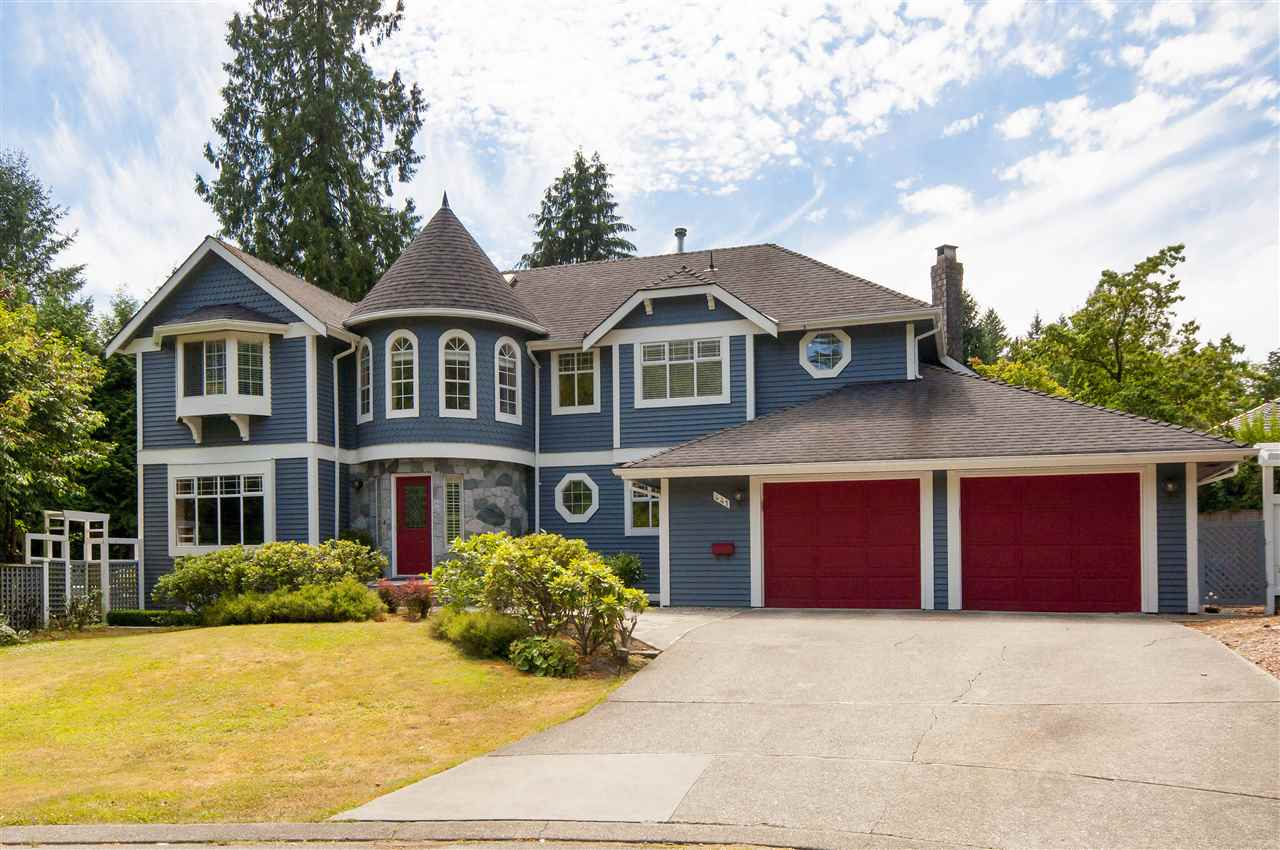 Detached at 441 INGLEWOOD AVENUE, West Vancouver, British Columbia. Image 2
