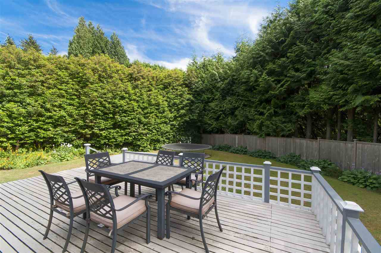 Detached at 441 INGLEWOOD AVENUE, West Vancouver, British Columbia. Image 16