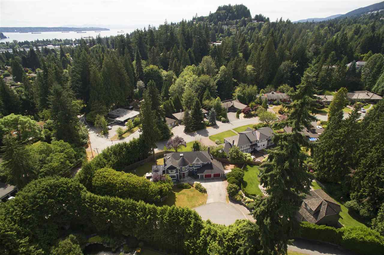 Detached at 441 INGLEWOOD AVENUE, West Vancouver, British Columbia. Image 20