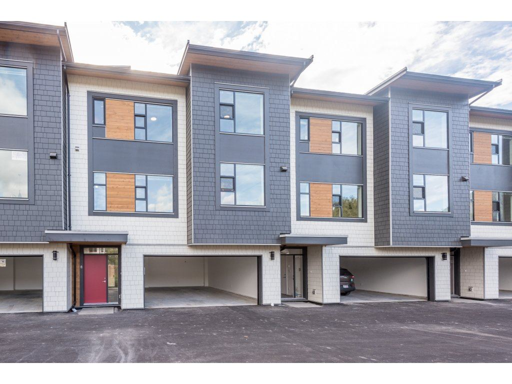 Townhouse at 9 38447 BUCKLEY AVENUE, Unit 9, Squamish, British Columbia. Image 1