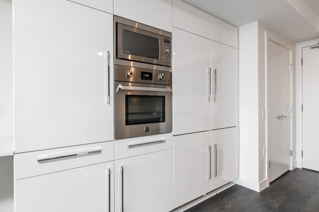 Condo Apartment at 1603 188 AGNES STREET, Unit 1603, New Westminster, British Columbia. Image 2