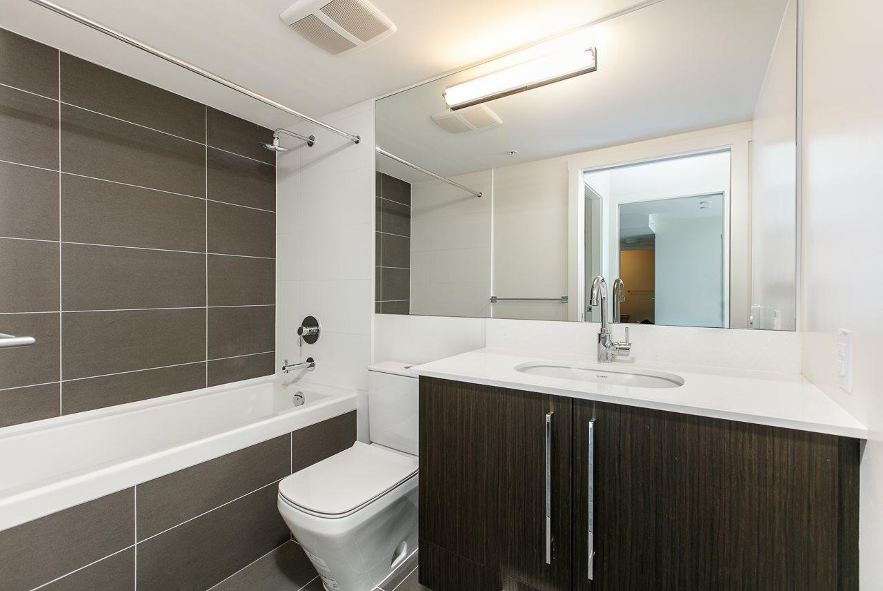 Condo Apartment at 1603 188 AGNES STREET, Unit 1603, New Westminster, British Columbia. Image 6