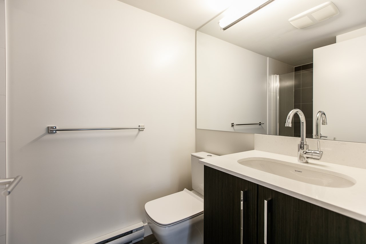 Condo Apartment at 1603 188 AGNES STREET, Unit 1603, New Westminster, British Columbia. Image 10