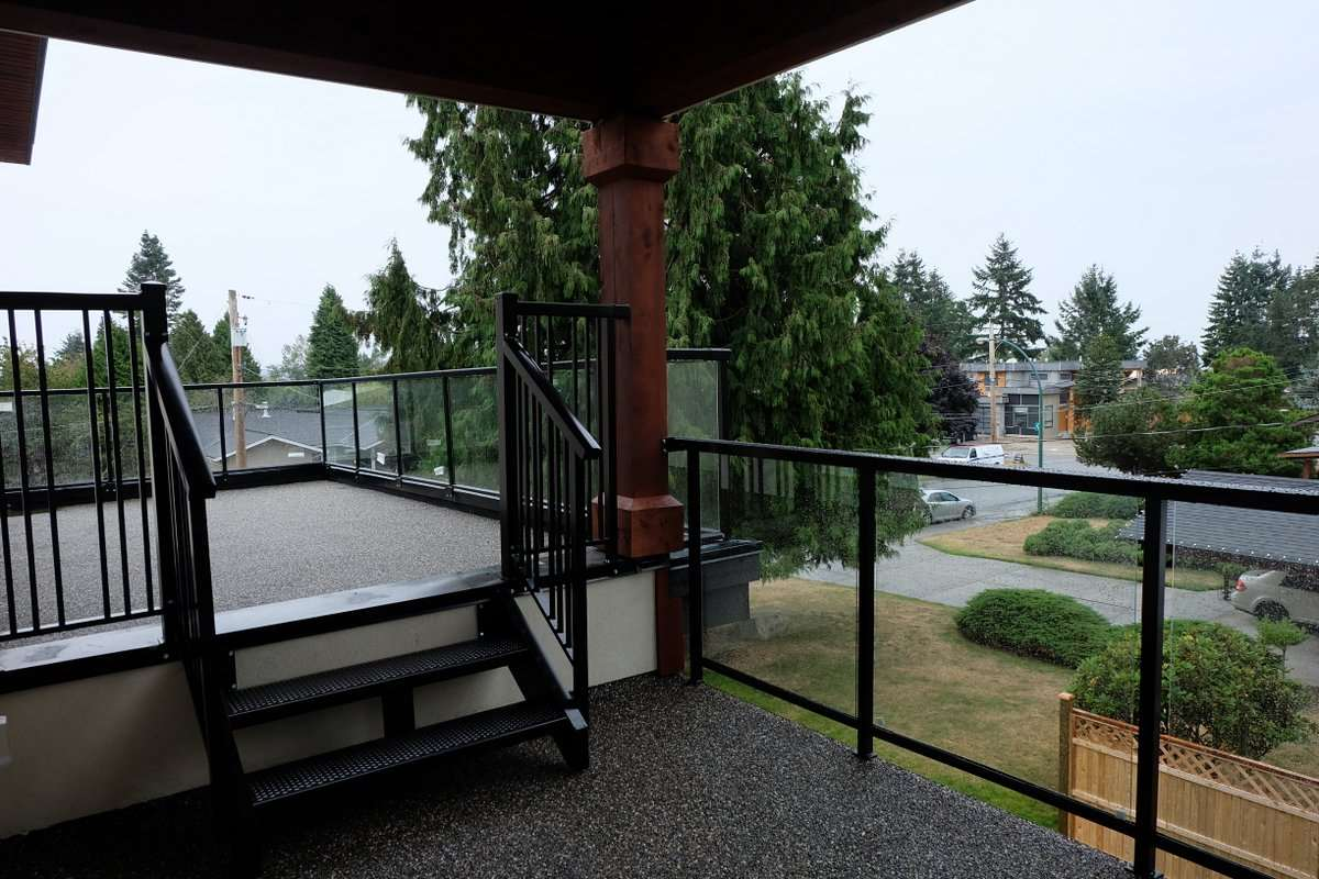 Detached at 1495 MAPLE STREET, South Surrey White Rock, British Columbia. Image 4