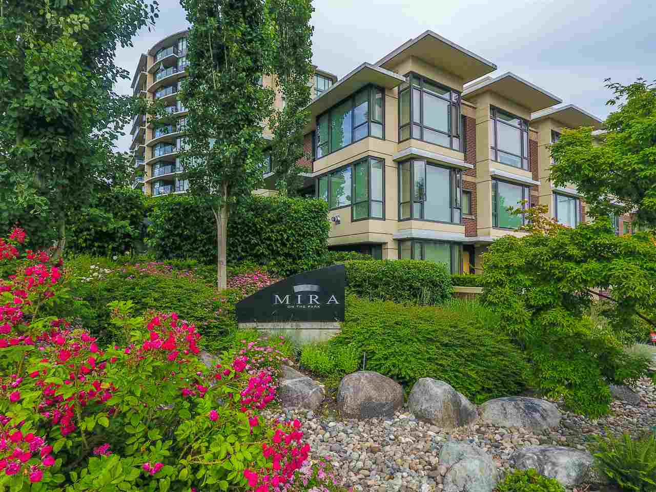 Townhouse at 190 W 6TH STREET, North Vancouver, British Columbia. Image 1