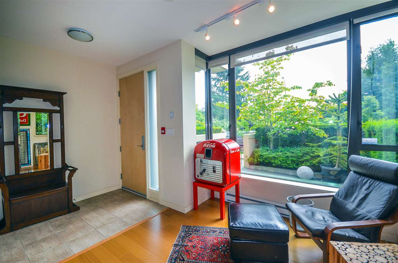 Townhouse at 190 W 6TH STREET, North Vancouver, British Columbia. Image 3