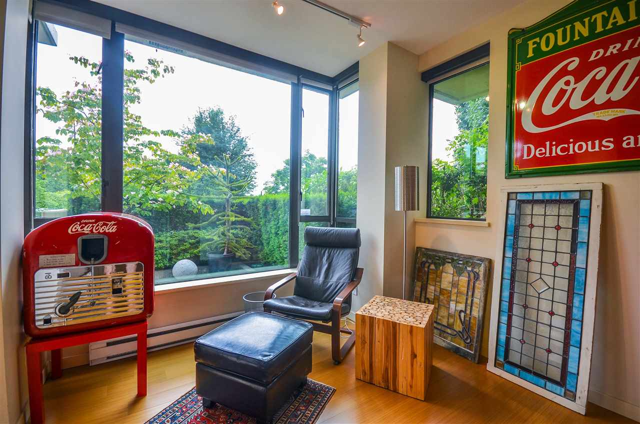 Townhouse at 190 W 6TH STREET, North Vancouver, British Columbia. Image 5