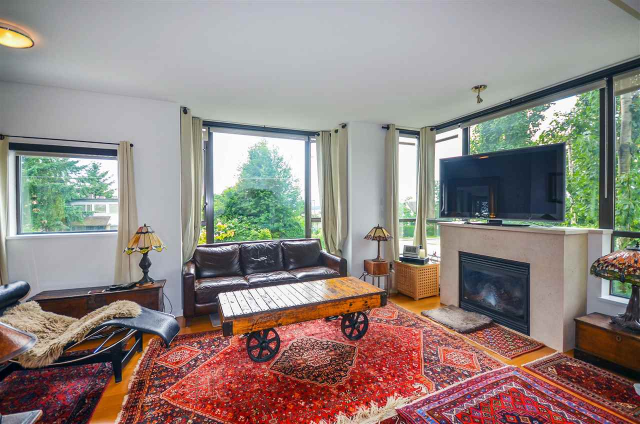 Townhouse at 190 W 6TH STREET, North Vancouver, British Columbia. Image 7