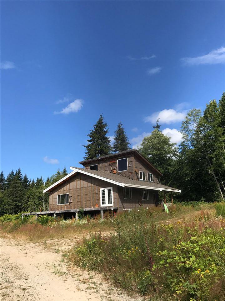 Detached at 935 NORTH ROAD, Sunshine Coast, British Columbia. Image 2