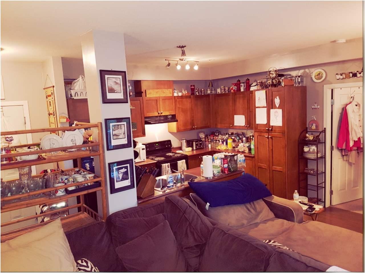 Condo Apartment at 301 13277 108 AVENUE, Unit 301, North Surrey, British Columbia. Image 3