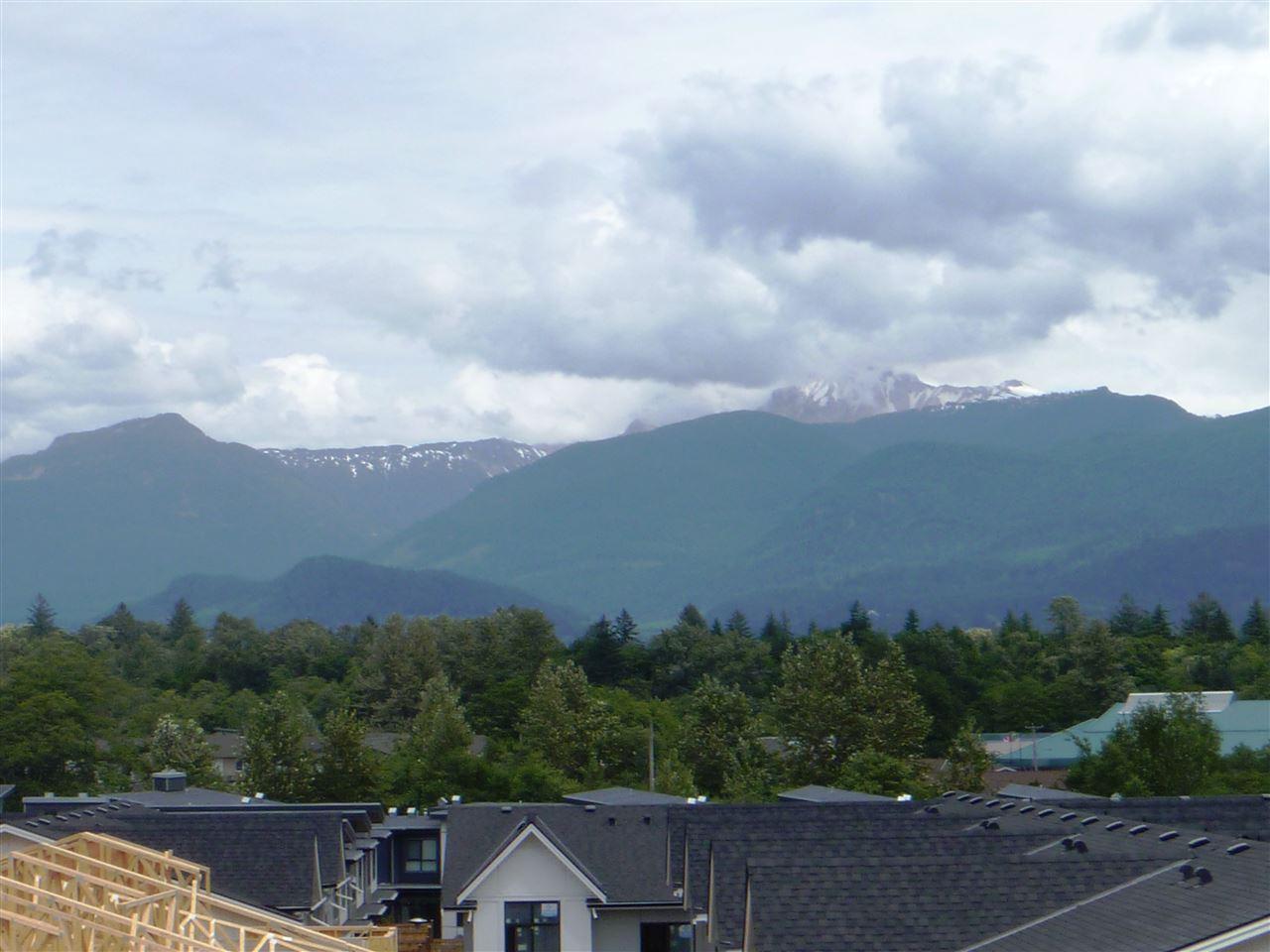 Condo Apartment at 413 1211 VILLAGE GREEN WAY, Unit 413, Squamish, British Columbia. Image 12