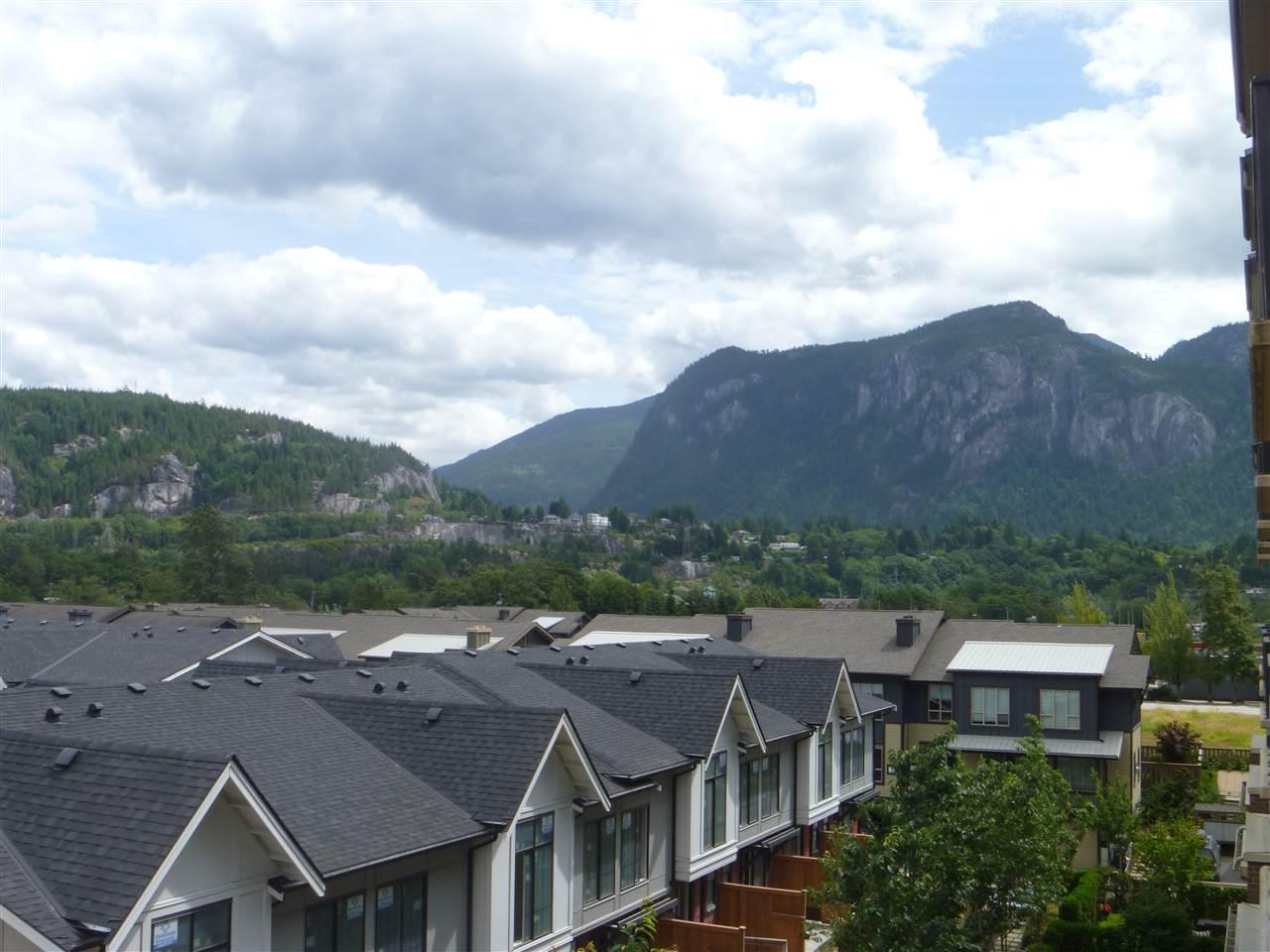 Condo Apartment at 413 1211 VILLAGE GREEN WAY, Unit 413, Squamish, British Columbia. Image 15